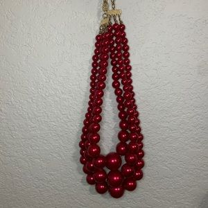 Fashion Jewelry: 3 Strand Maroon Pearl Necklace